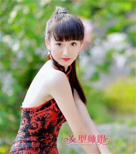 齐刘海长直发发型扎法齐刘海直发发型扎法步骤4发型师姐